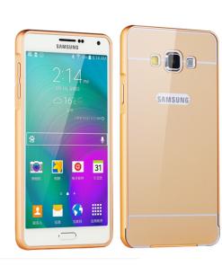 Samsung Galaxy A7 Acrylic Back Cover met Aluminium Bumper Goudkleurig.