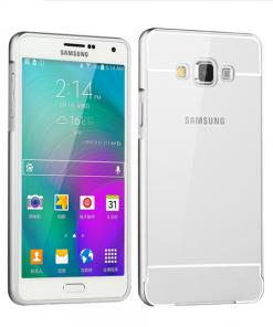Samsung Galaxy A7 Acrylic Back Cover met Aluminium Bumper Zilverkleurig.